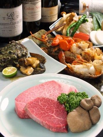 野菜や海鮮と一緒に頂けるコースも人気なんだそう♪