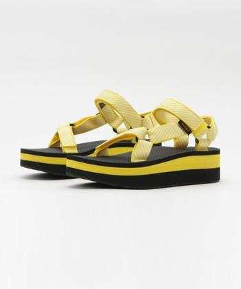 歩きやすいだけでなく、豊富なカラー&デザインでさりげないオシャレが楽しめます。