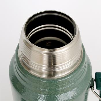 温かい飲み物はもちろん、直径50mmの注ぎ口は、大きな氷もそのまま入れることが出来るので冷たい飲み物にも便利。保温にも保冷にも、抜群の能力を発揮します!