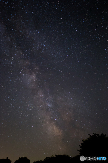 周辺には満天の星空が楽しめる、銀河の森天文台があります。北海道の夜空は空気が澄んでいてとってもきれいですよ!