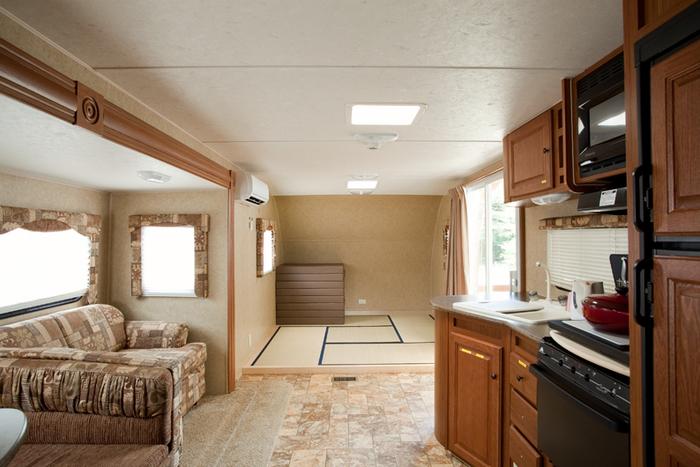 清潔な室内にはなんと畳敷きのスペースも!子どもと遊んだり、ごろ寝したり…快適にステイできそうですね。