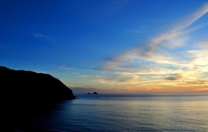東京…といっても自然あふれるゆったりとした島、神津島。都会に疲れた方は、都内から2〜3時間で行けちゃう神津島に、週末ひとり旅をしに訪れてみてはいかがでしょうか?