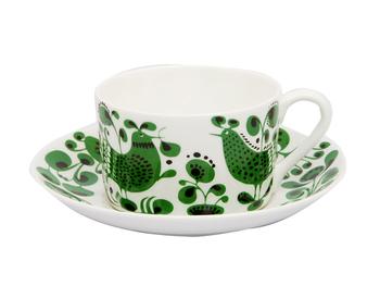 Turtur(チュール・チュール)シリーズ。鳥のモチーフのカップは、テーブルを楽しげで明るい雰囲気にしてくれます。 ソーサーは、チューリップのような花が、つぼみから咲いて花になるイメージでしょうか。 デザインに動きがあって見る人を楽しませてくれます。