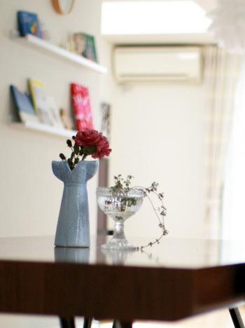 リサドレスやマリボウルなど、そのままディスプレイするだけでも絵になる花瓶や器。シンプルな植物や花を引き立ててくれます。