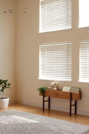 お部屋の中に置くことができる無垢材のプランターです。植物を入れるだけではなく、大切なぬいぐるみや絵本を飾っておくのにもいいですね。