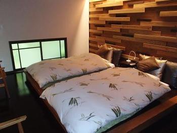 ベッドルーム付き客室はもちろん、囲炉裏が設置されたお部屋も。
