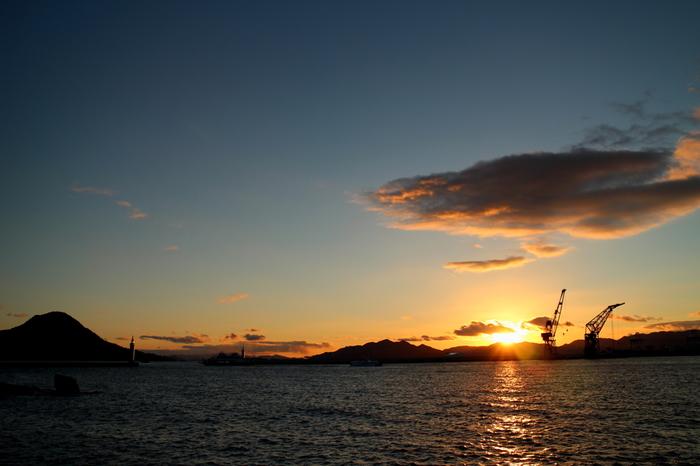 ゆったりとした気分で散策していたら、いつの間にか時間が過ぎていき、こんな美しい夕日に出会えるかもしれませんね。