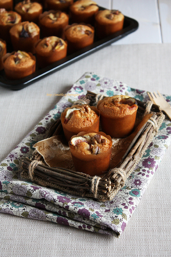 バター不使用、植物オイルでつくる軽やかなアーモンドケーキです。アーモンドプードル入りでコクアップ! フレッシュいちじくとクルミのハーモニーが◎