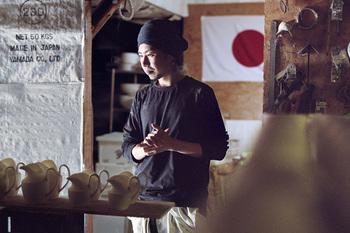 陶芸が楽しくて仕方がないという青木さん。 まさに天職。