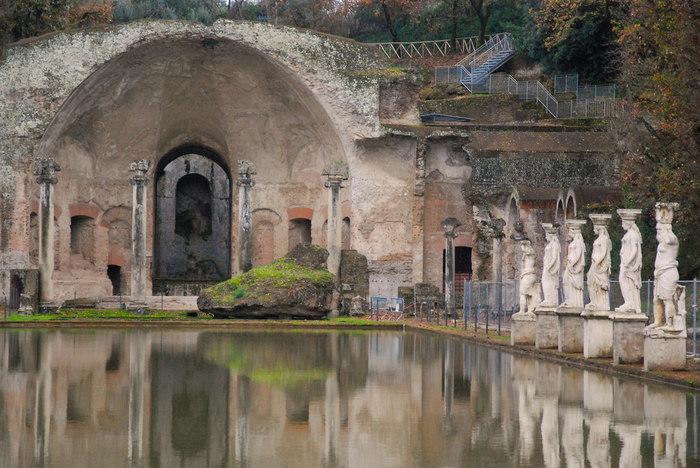 ローマから日帰り旅行も可能な距離にありながら、見ごたえ満点。ぜひ足を延ばしてみてくださいね。