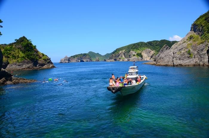 船が運行しているのは、7~9月だけ。夏しか訪れることができないレアスポットです。