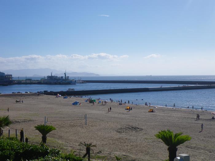 「ココナッツビーチ伊良湖」は、伊良湖岬の周辺にあります。南国のリゾートみたいな雰囲気たっぷりのビーチです。