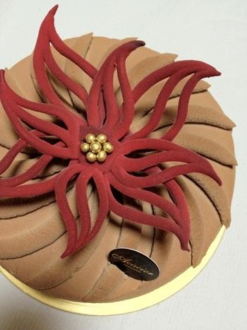 ■クリスマスケーキ・ソレイユ■ こちらは2012年に発売されたクリスマスケーキ。 毎年、芸術性の高い独創的なクリスマスケーキが発売されるので要チェックです!