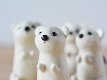 白いオブジェは、目を引きやすく小さくても存在感があります。単品で置いても、複数で揃えて置いてもかわいいです。