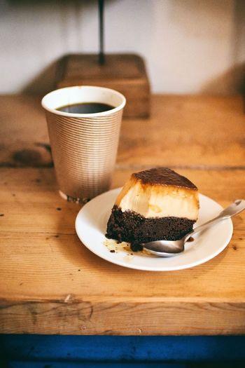 コーヒーのお供に人気なのは、「中津さんのブラジルプヂン」というスイーツ。プリンとココアのスポンジを組み合わせたブラジルのお菓子で、ブラジルプヂンの研究家である中津さんという方のレシピを元に作っているそうです。コーヒーの美味しさを引き立てる濃厚な味わいですよ☆