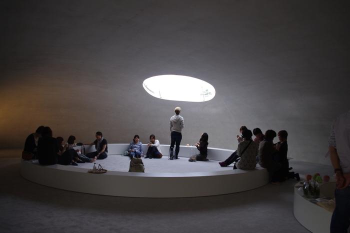 海外の評価も高く、多くの外国人が来島し、この美術館へ足を運んでいます。