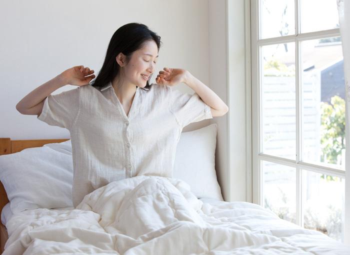 リネンコットンの涼やかで軽やかなシャツパジャマ。夏に1枚でとても気持ちよく寝られます。
