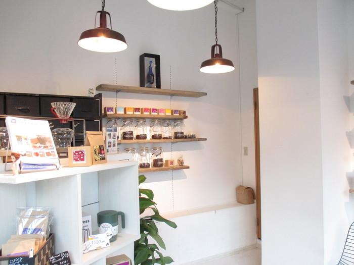 スペシャルティや希少価値の高いプレミアムなど、産地や農園から厳選した高品質の珈琲豆を常時20種類以上取り揃えているというこだわりのお店。