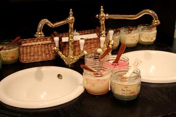 購入前に、気になる香りや使用感を思う存分比較検討できますね♪使用方法やその他わからないことはフレンドリーな店員さんに聞いてアドバイスをもらえるのも◎