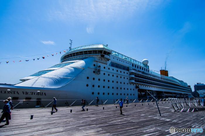 コスタ・ビクトリアの日本発着ショートクルーズは「古都と城下町を巡る麗しの日本海と釜山韓国5泊6日クルーズ」など。福岡・舞鶴・金沢発着です。