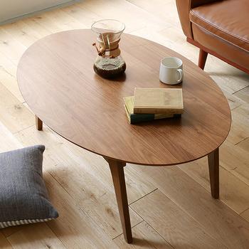 楕円形タイプの現代版のこたつです。どこのご家庭にも、小さなころからこたつは馴染み深い和家具ですよね。春夏はカフェテーブルとして、秋冬はこたつ布団とコーディネートして。居間やリビングでのリラックスタイムに。