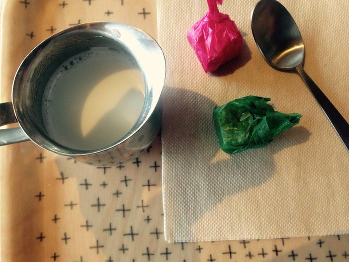 ミナのトレイにミナの器で頂く、贅沢なティータイムを。