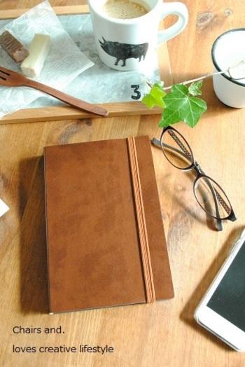 いかがでしたか? 自分の好きなこと、目標や夢、育児日記、大切にしたい言葉など、まだまだ色んな使い方があります。春は手帳を新しくするのにぴったりの時期。ぜひ記事を参考に、自分らしい1冊を作ってみてください。