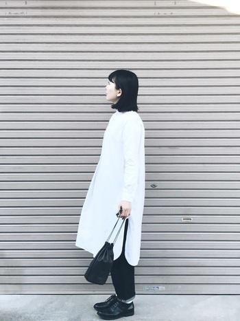 シンプルで素材とディテールにこだわったファッションは、試着してみることでその良さが実感できるでしょう。