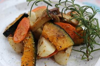 また、味に深みを与えてくれるから、シンプルな野菜のソテーもハーブソルトの一振りで、すてきなおもてなし料理になりますよ。