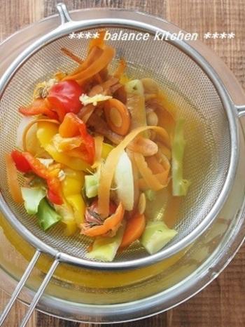 皮や茎を捨ててしまうのは、とってももったいない!ということで、野菜を余すところなく利用しておいしい一品を作るというレシピをご提案します。
