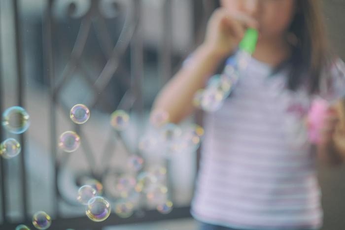 日々成長していく子どもの写真は、なるべくたくさん残してあげたいですよね♪どんな撮り方でも可愛く写るはずですが、今回はより素敵に撮影するためのテクニックをご紹介。ぜひ参考にしてみてくださいね*
