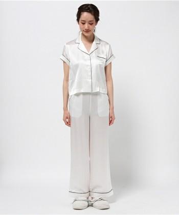 シルクの半袖パジャマです。寝ている間に汗をかいても、サラッと快適な肌触りをキープしてくれます。