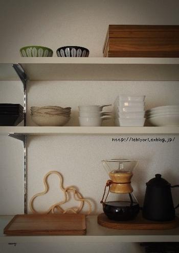 こんな風に棚に置いておくだけでも◎使いたいときにすぐに使えるというメリットも。