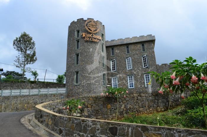 スリランカにはムレスナティーキャッスルがそびえます。 博物館やレストラン、敷地内には茶畑もあって、本場の味や歴史を確かめることができ、世界各地から観光客が訪れます。