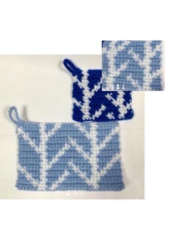 北欧テイストは、あいかわらず人気ですね。こちらは、白樺の柄に編み上げた落ち着いた印象のアクリルたわし。センスの良さが感じられるデザインですね。
