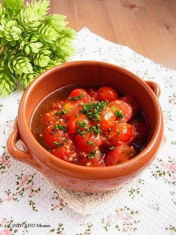 良い具合にトマトが崩れて美味しそうです。見た目も華やかで食欲をそそります。パスタをからめても◎