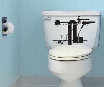 タンクの中を描いた遊びゴコロたっぷりなステッカー。こんなにユニークなトイレだったら行くのが楽しくなりそう♪