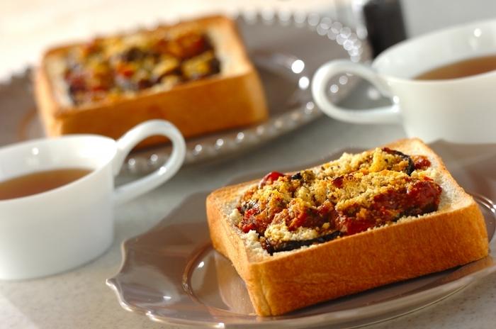 あめ色玉ねぎをお好きなバケッドにのせてチーズとともにトースターでこんがり焼けばオシャレなトーストが完成です。ブランチにもってこいです。 ※画像はイメージです。