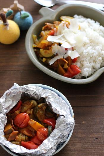 野菜にカレー粉をふりかけて蒸し焼きにすると、水分が出て本物のカレーのように♪ご飯に乗せて召し上がれ。パンや麺にも合いますよ。