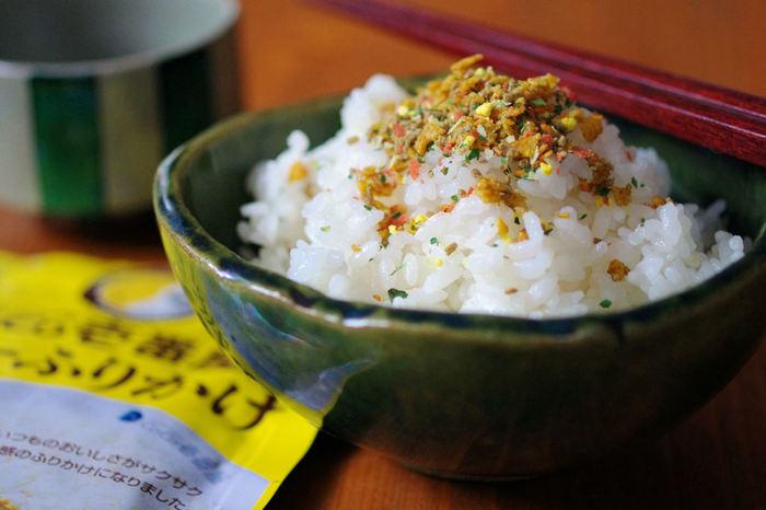 日本食の見栄えを、より映えさせるふりかけ。 これがあるだけで美味しさも倍増しますよね。 そんなふりかけを、ご自分で作ってみませんか? 今日はいろいろなふりかけレシピをご紹介していきます。