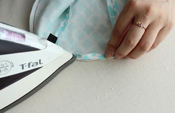 カーブが多い縫い物は、多少面倒でもアイロンを使って縫い代をキレイに折り返すのがポイント。