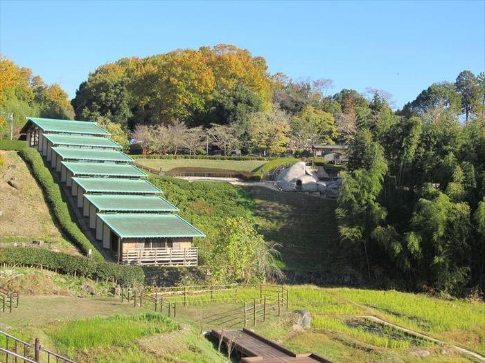 土岐市は美濃焼の主産地としても知られ、陶磁器生産は日本一。また、その歴史は400年前にさかのぼるといわれ、市内にはかつての窯跡が今でも保存されています。