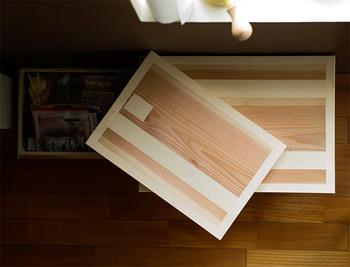 静岡で茶箱を作っているのはたったの6軒。 職人さんの手で、一つ一つ丁寧に作られています。 すでに貴重な品になりつつあるのかもしれません。