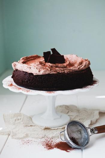チョコを手作りする時、美味しさはもちろんですが、周りとかぶらないというのもポイントです。しかもそれが簡単でおしゃれなら言うことナシ!今年は「脱・定番」で、人と差がつくバレンタインにしちゃいましょう♪