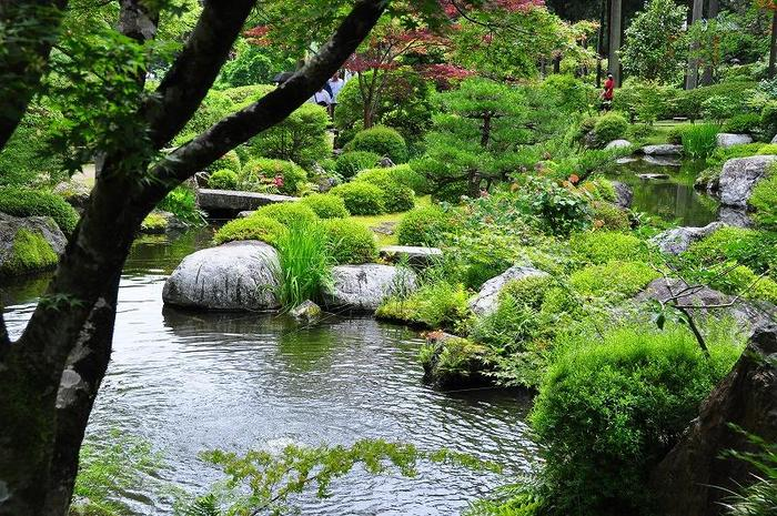【「池泉庭園」】