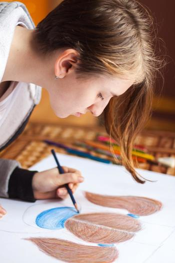 アートや手芸など、もの作りのレッスンに参加するのもいいですね♪特にアートは自分の内面が反映されるもの。癒し効果が高まったり、感受性が豊かになったりと、良いことがたくさんありますよ!
