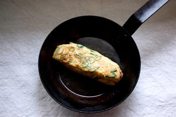 醤油麹と甜菜糖の入った甘めの卵焼き。醤油麹は、卵焼きの上にのせてもいいですし、混ぜ込んで焼いてもおいしそうですね。お弁当の定番になりそう。