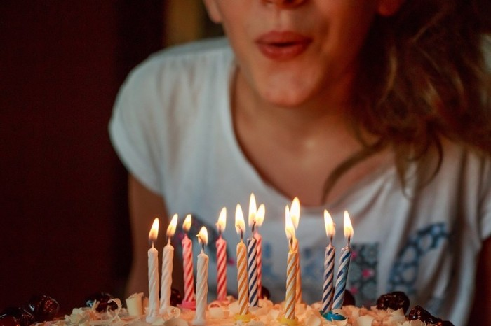 パートナーの誕生日や、記念日のお祝いに。「ずっと変わらない」ジュエリーに、気持ちを託して。