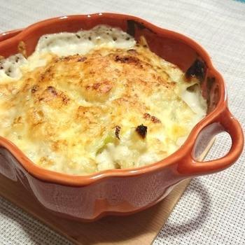 コクを出し、料理の味を格段にアップしてくれるマスカルポーネチーズは、パスタやグラタンなどの洋食だけでなく、和食の隠し味としても大活躍してくれます。今晩さっそく作りたくなる、マスカルポーネチーズを使った10種の料理を紹介します。