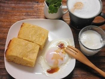 アメリカでは朝食の一品として食べられることもしばしばあります。  お食事用には塩を加えてみるなど、シーンに応じて味わいを変えてみてもいいですね。